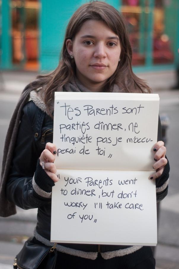 """""""Je ouders zijn uit eten, maar maak je niet ongerust, ik zal voor je zorgen"""""""