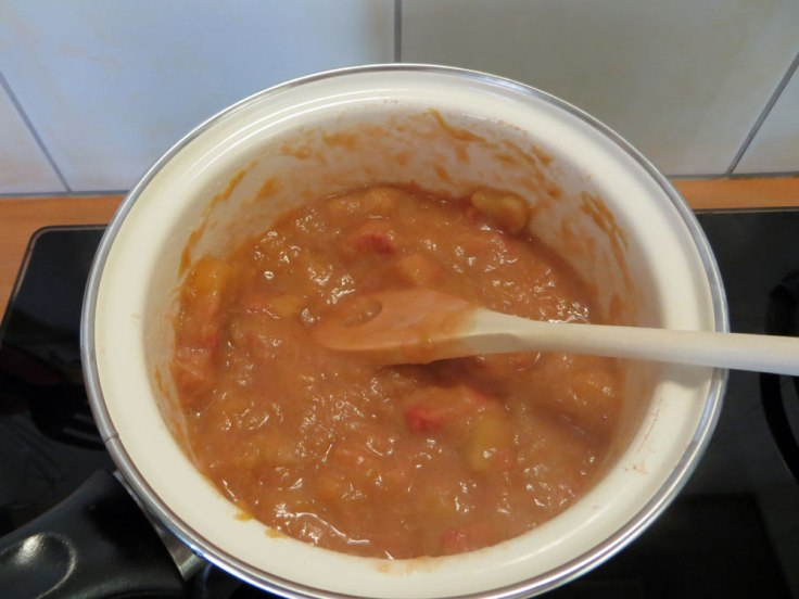 10 minuten onder af en toe roeren zachtjes laten koken